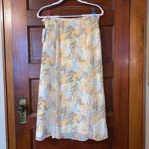 Jones Wear Size 12 Skirt